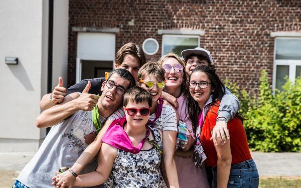 Jongeren op vakantie in De Kleppe